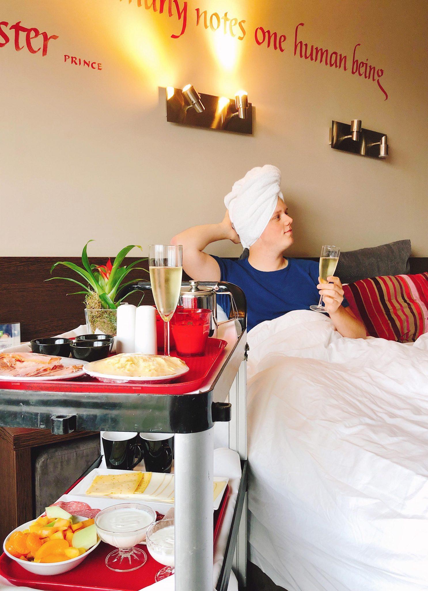 https://www.elisejoanne.nl/lifestyle/de-rompslomp-rond-het-hebben-van-een-eigen-woning/