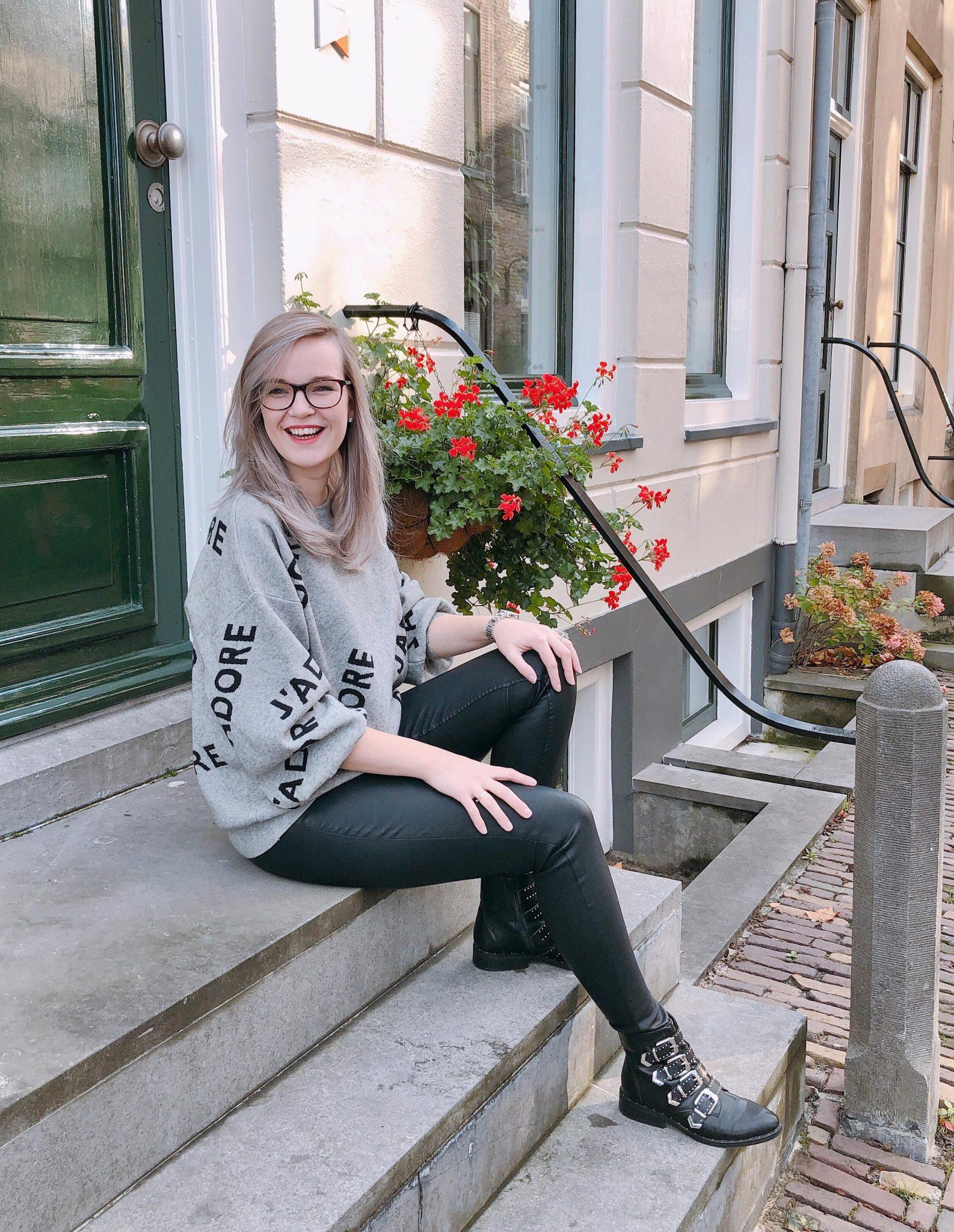 Elise's Weekly Pictorama - Aan de beterende hand!