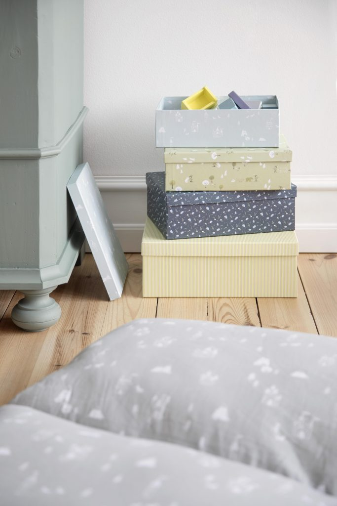 Available 2.May2019 SostreneGrene Boxes1 min 4480x6720 683x1024 - SØstrene Grene: Kinderkamer collectie 2019
