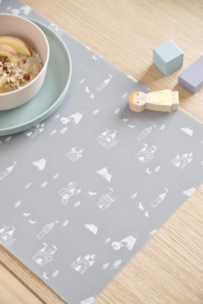 Available 2.May2019 SostreneGrene Tableware PlaceMat3 min 4480x6720 683x1024 - SØstrene Grene: Kinderkamer collectie 2019