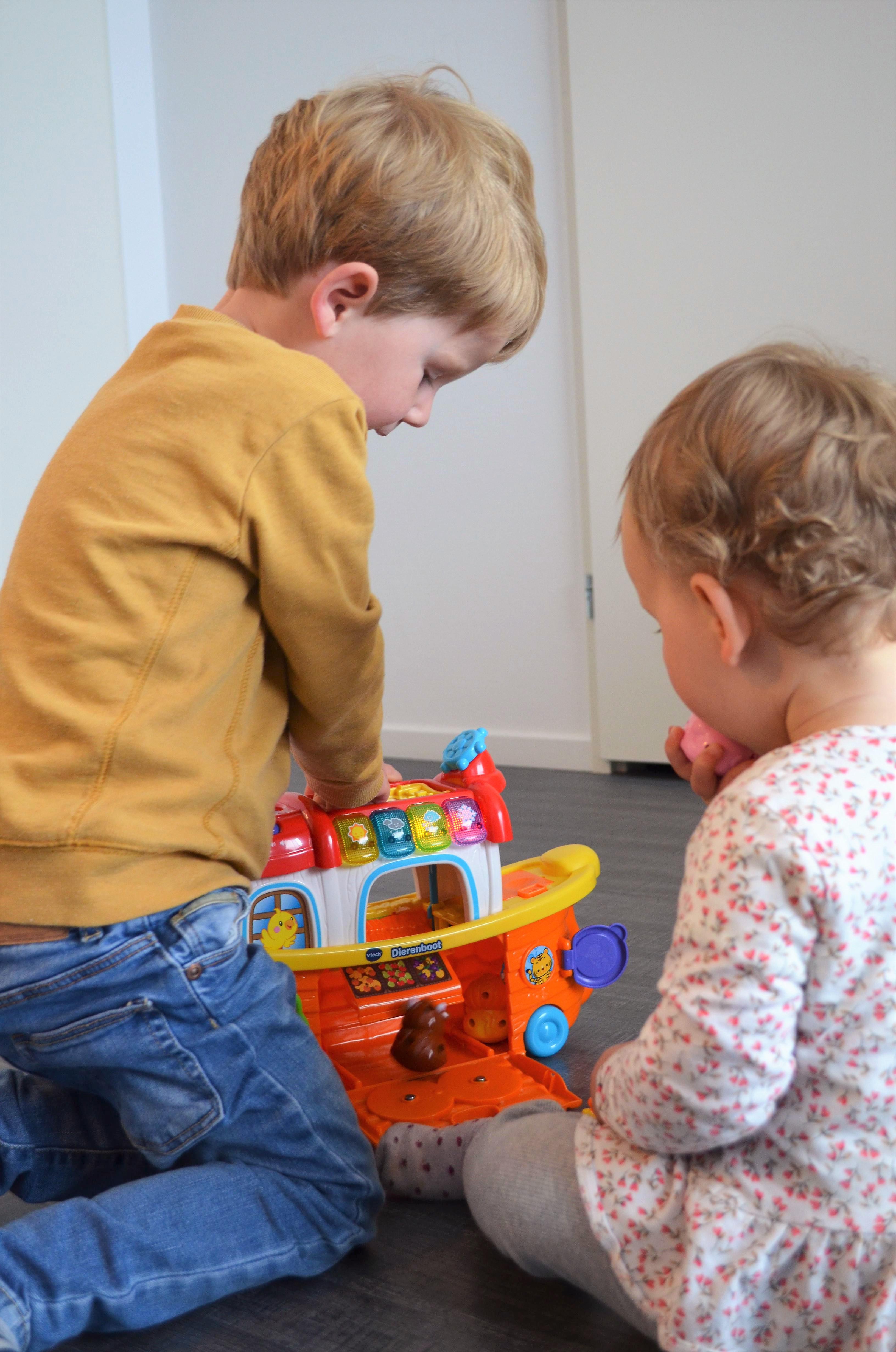 Een nieuw cadeau voor Hazel - De VTech Zoef Zoef Dierenboot!