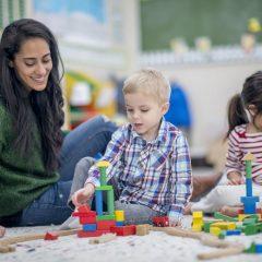 Oppas Elisejoanne.nl  240x240 - Hoe vind je nou een geschikte oppas voor je kind(eren)?