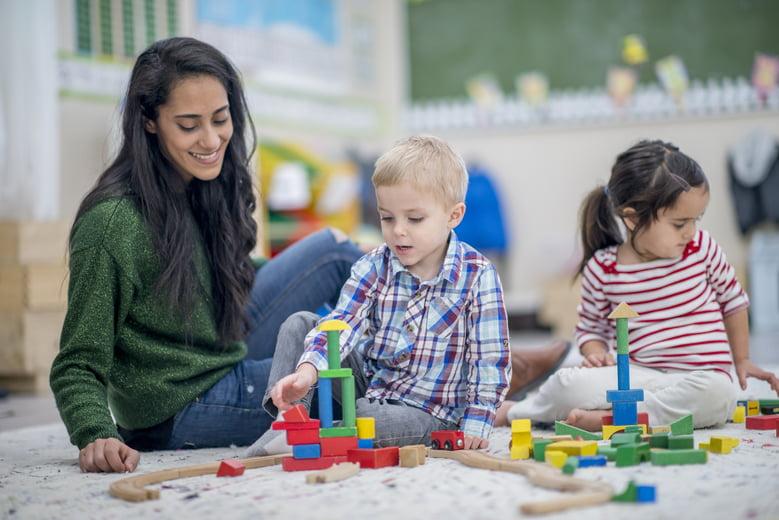Oppas Elisejoanne.nl  - Hoe vind je nou een geschikte oppas voor je kind(eren)?