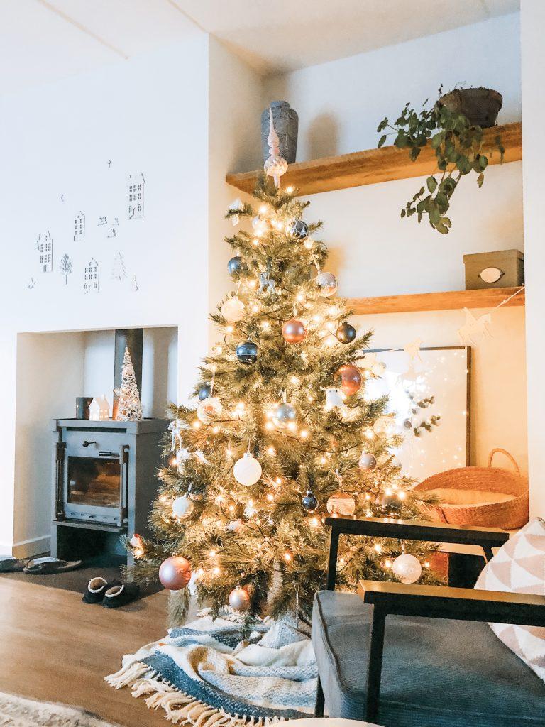 IMG 7975 1 768x1024 - Elise's Weekly Pictorama #13 - Tijd voor de kerstboom!