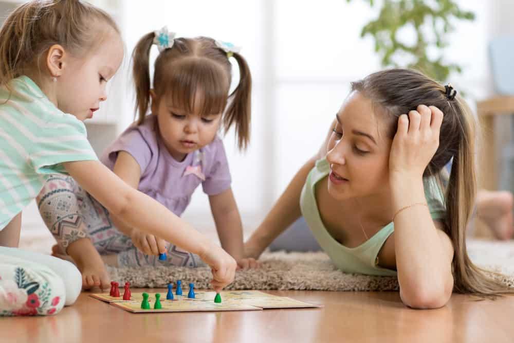 shutterstock 1110676619 - 10x leuke bordspellen om samen met kinderen te spelen!