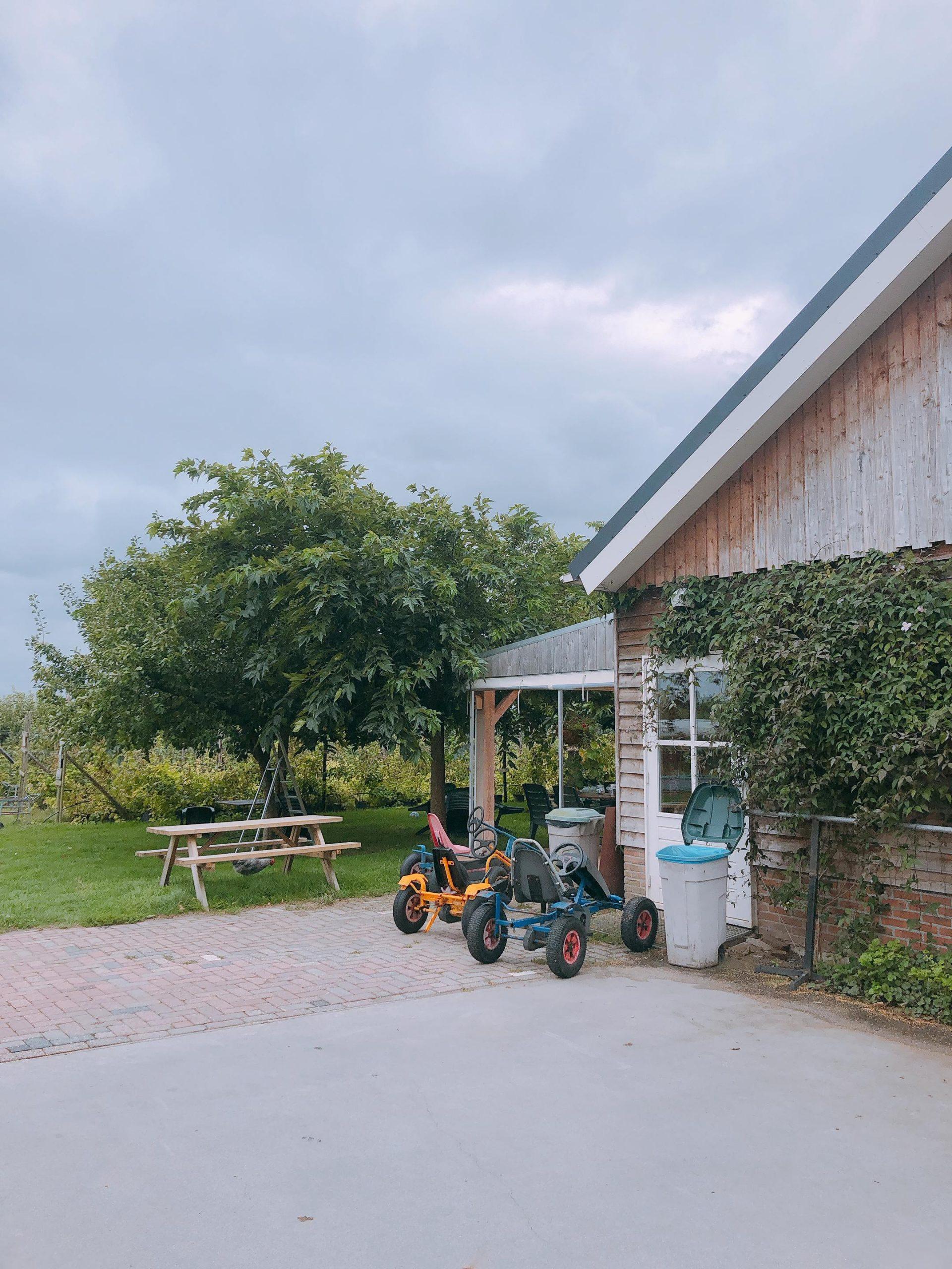 IMG 4118 2160x2880 1 scaled - PLOG - Met z'n viertjes naar de appelboomgaard en het Servero Food Lab!