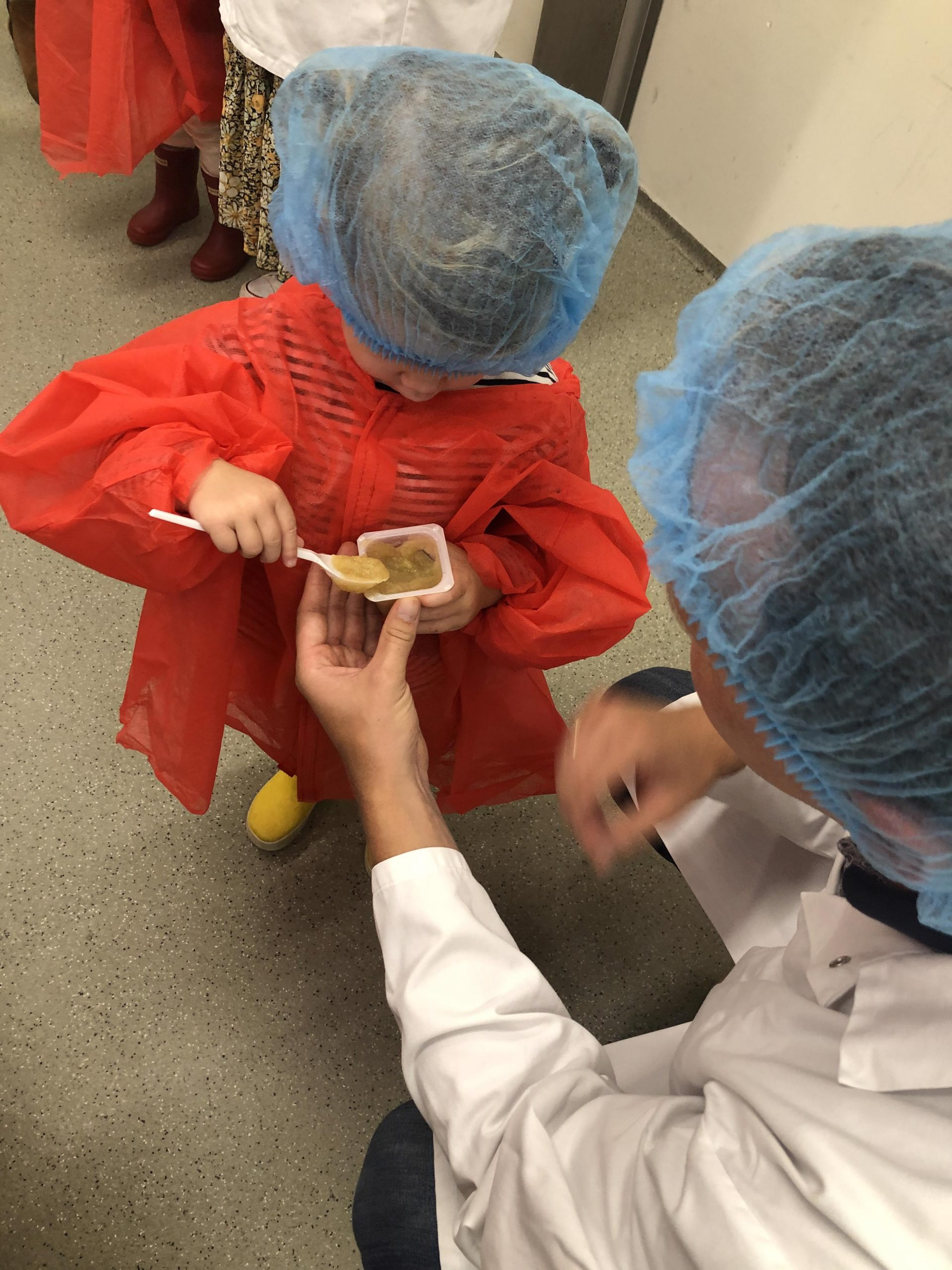 IMG 4187 3024x4032 1 scaled - PLOG - Met z'n viertjes naar de appelboomgaard en het Servero Food Lab!