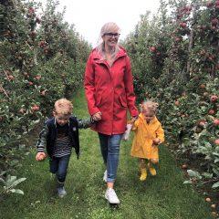 PLOG - Met z'n viertjes naar de appelboomgaard en laboratorium!