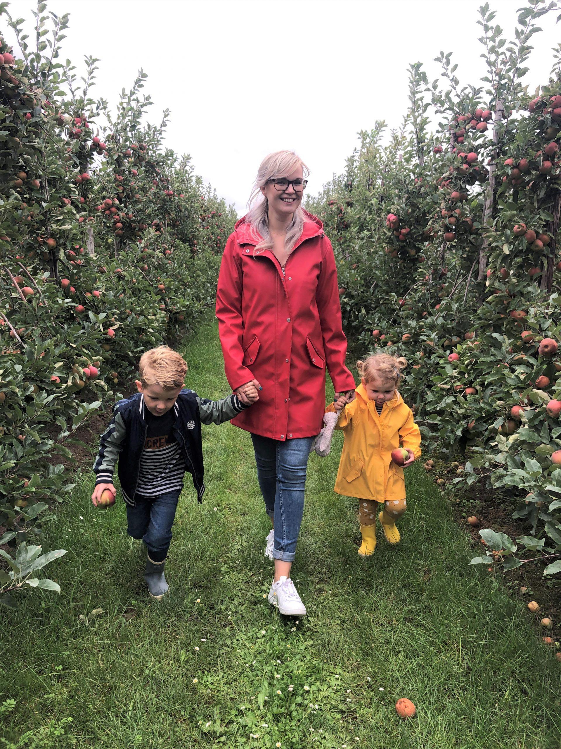 IMG 3838 3024x4032 1 scaled - PLOG - Met z'n viertjes naar de appelboomgaard en het Servero Food Lab!