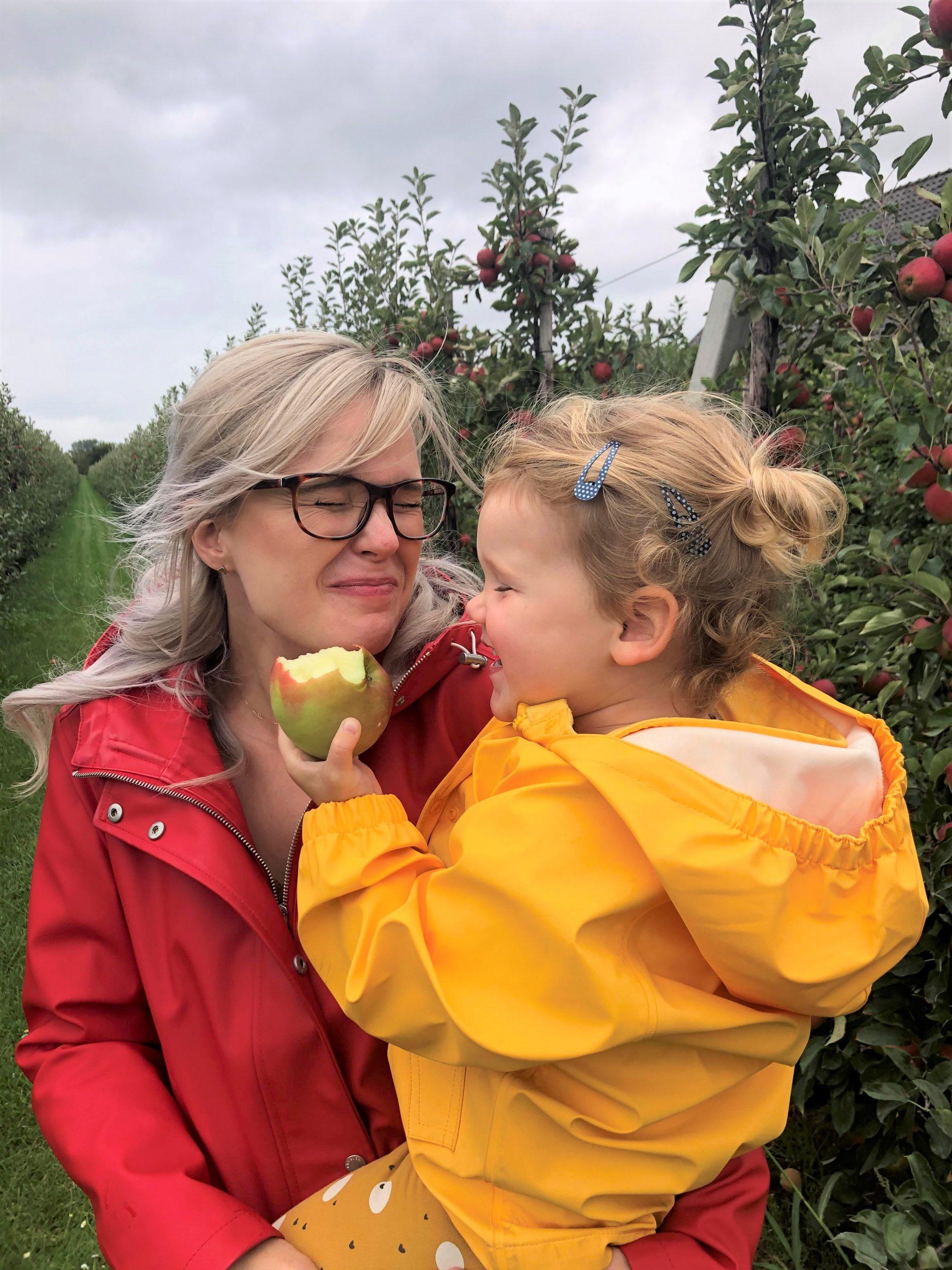 IMG 3982 3024x4032 1 scaled - PLOG - Met z'n viertjes naar de appelboomgaard en het Servero Food Lab!
